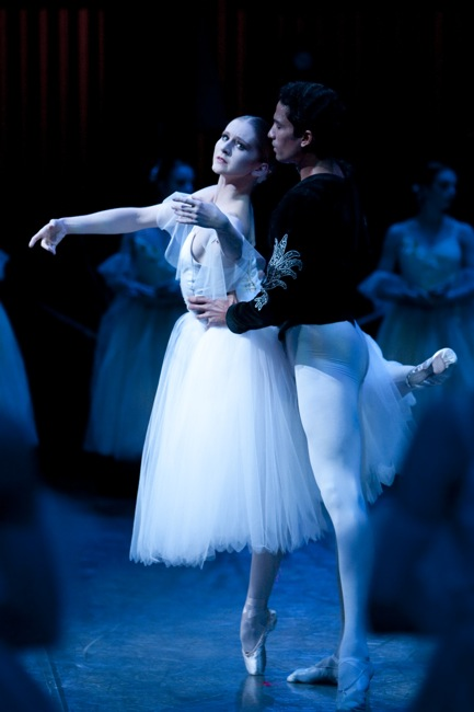 Principal Dancers Carla Körbes as Giselle and Karel Cruz as Albrecht