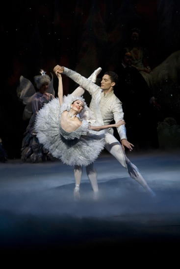 Fabrice Calmels Victoria Jalani in Joffrey Ballets The Nutcracker