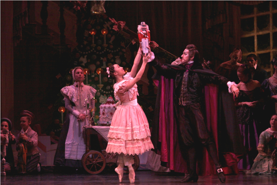 Anastacia Holden Matthew Adamczyk in Joffrey Ballets The Nutcracker